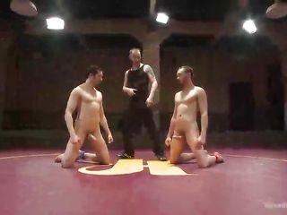 Порно гей кончает без рук
