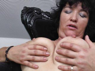 Смотреть порно зрелые в чулках